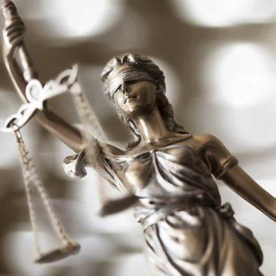 máster en periodismo experto en derecho penal